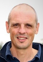 Pascal de l'équipe Au Service du Linge pressing et blanchisserie dans le 17 à Montendre